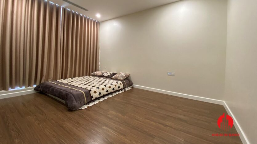 cheap 2 bedroom apartment in sunshine city 6