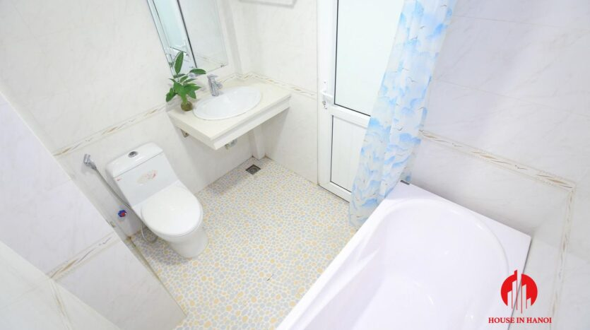 cheap apartment for rent on hoang quoc viet 13