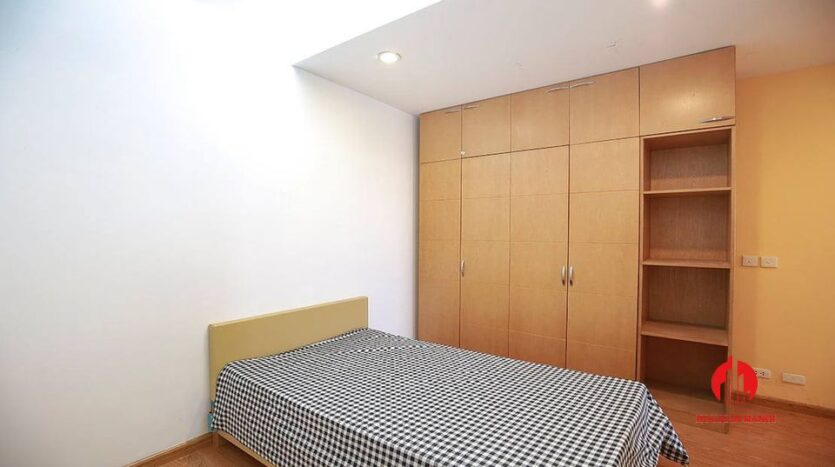 cheap but nice apartment for rent in e4 ciputra 8