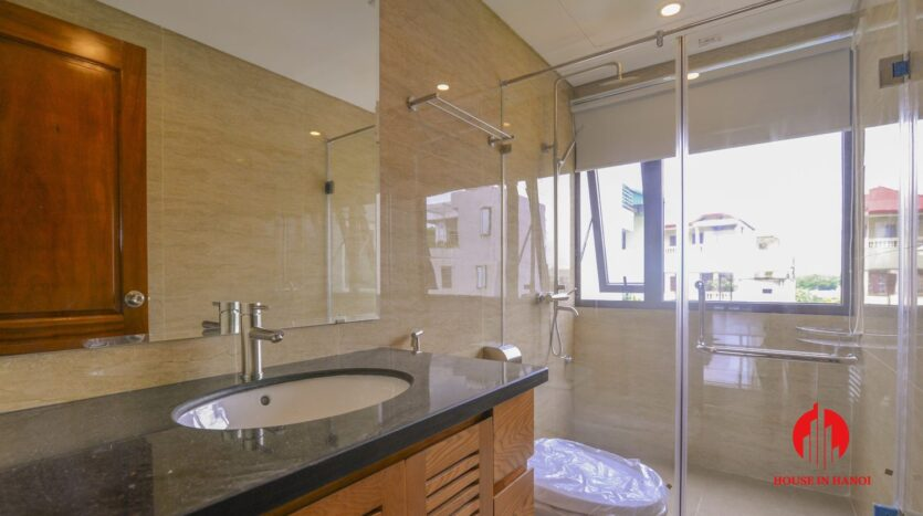 graceful apartment for rent on nhat chieu 10