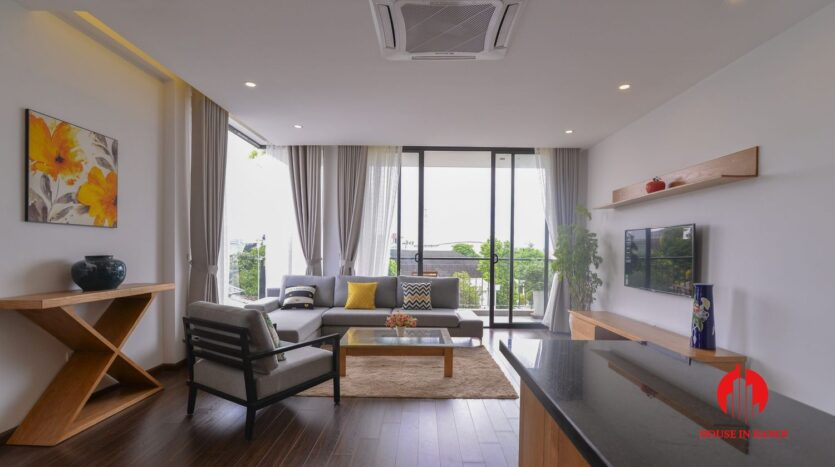 graceful apartment for rent on nhat chieu 2