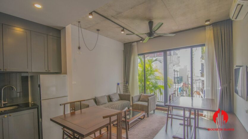 grey apartment for rent on tu hoa 1
