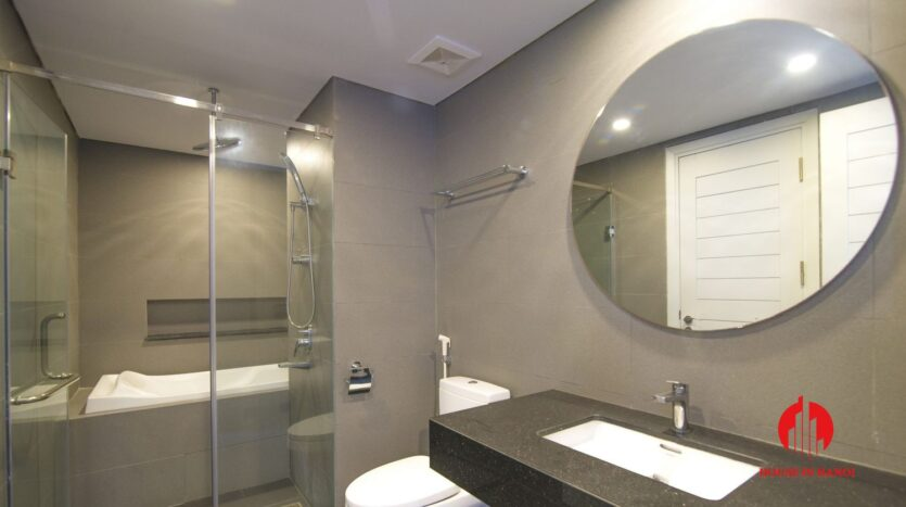 grey apartment for rent on tu hoa 11