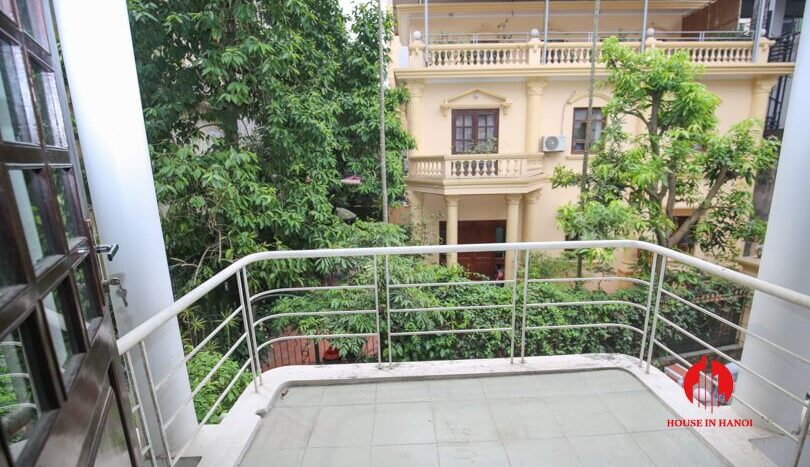 house with yard for rent in tay ho 11