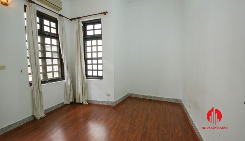 house with yard for rent in tay ho 14