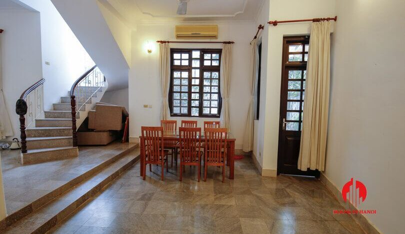 house with yard for rent in tay ho 6