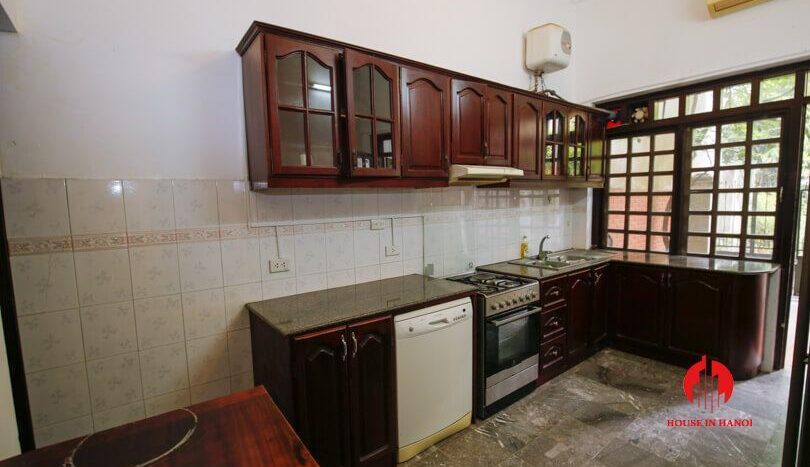 house with yard for rent in tay ho 7
