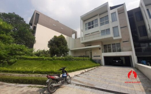 huge golf view villa for rent in ciputra 22