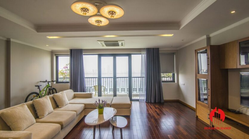 lake view 2 bedroom apartment on xuan dieu 10