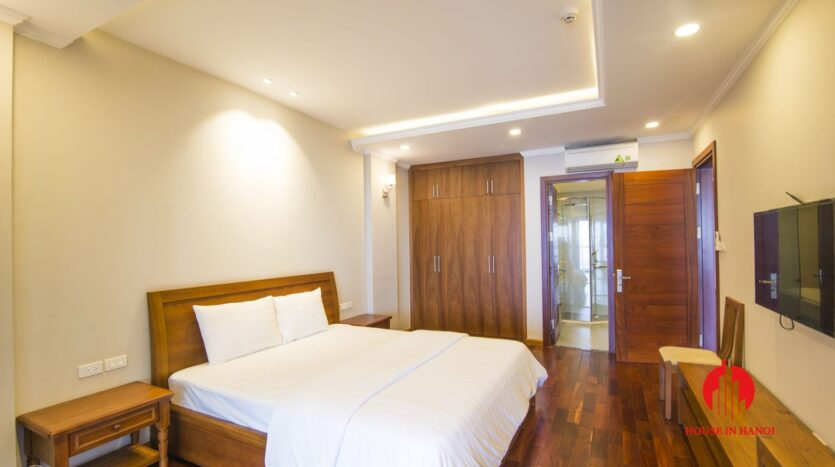 lake view 2 bedroom apartment on xuan dieu 7