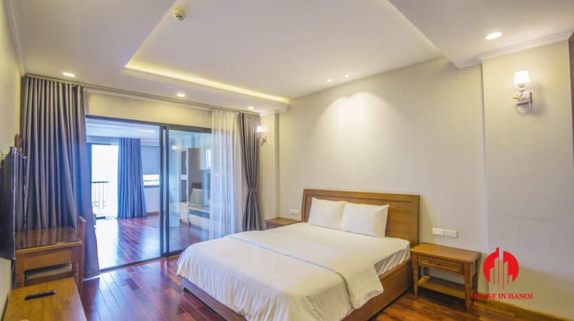 lake view 2 bedroom apartment on xuan dieu 9