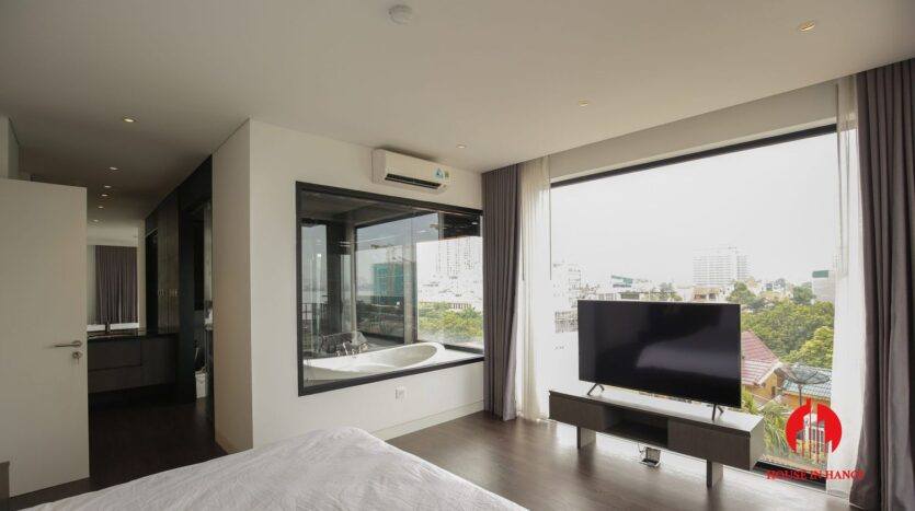 lake view 200m2 apartment for rent in tay ho 11