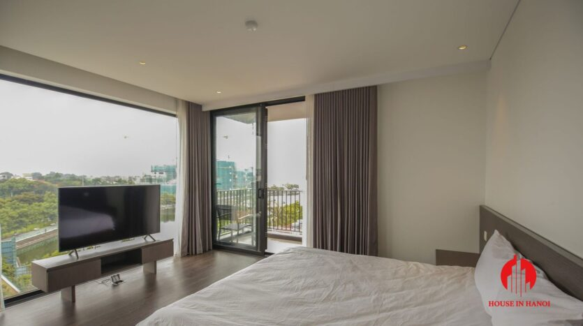 lake view 200m2 apartment for rent in tay ho 16