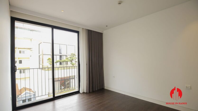 lake view 200m2 apartment for rent in tay ho 18