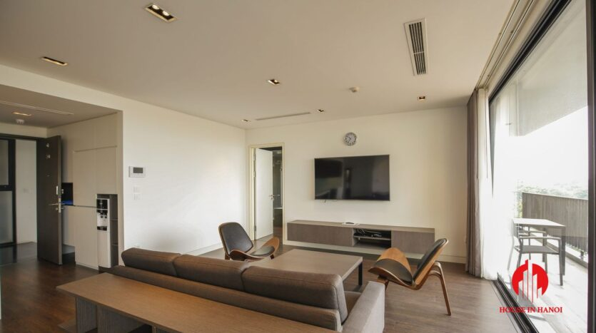 lake view 200m2 apartment for rent in tay ho 4