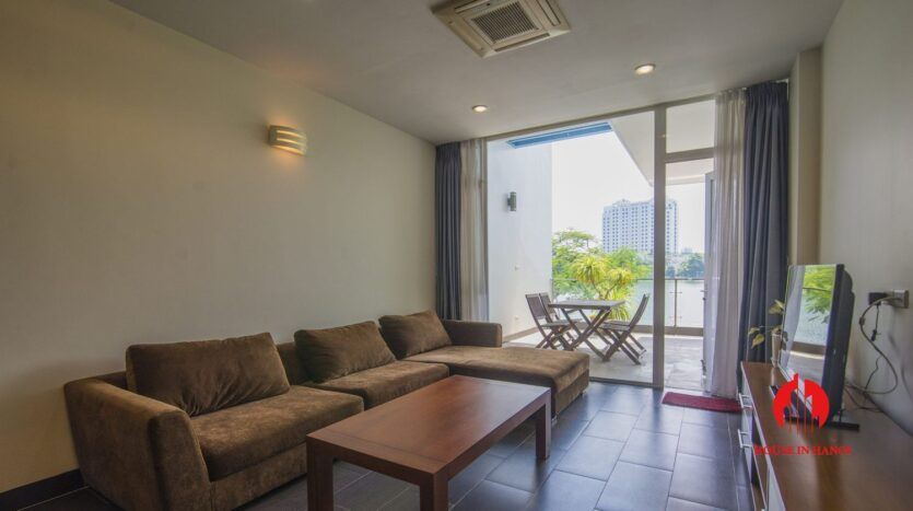lake view apartmetn for rent on quang an 1