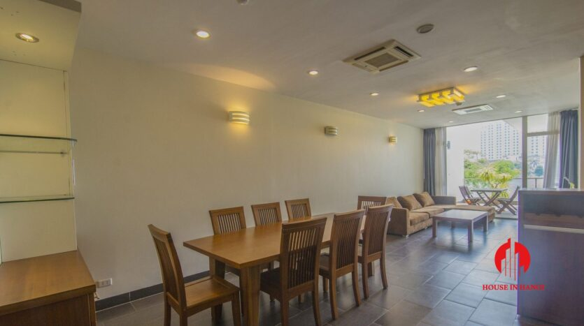 lake view apartmetn for rent on quang an 10