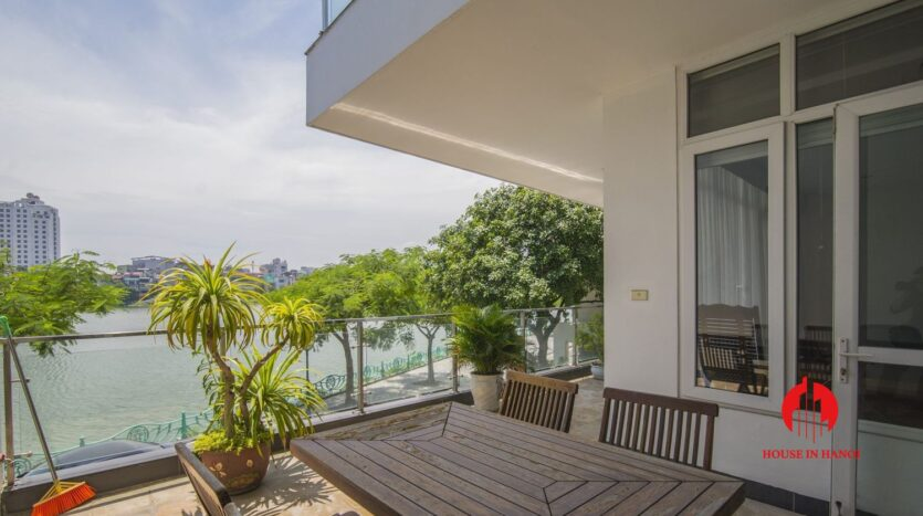 lake view apartmetn for rent on quang an 2