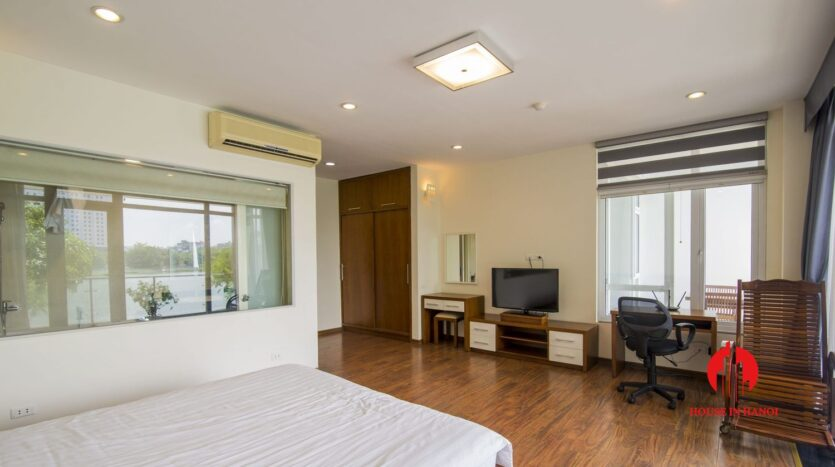lake view apartmetn for rent on quang an 4