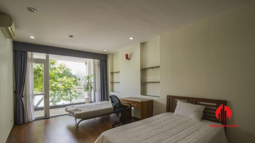 lake view apartmetn for rent on quang an 8