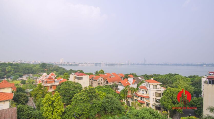 lake view penthouse for rent in tay ho 17