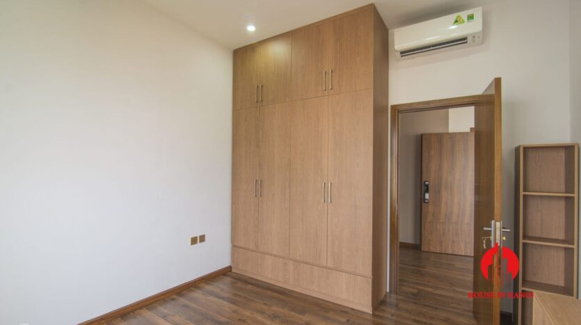 lake view penthouse for rent in tay ho 31