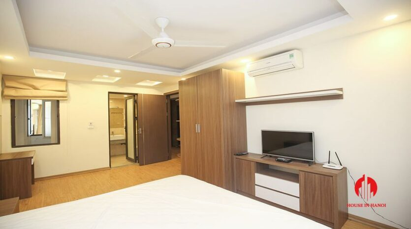 large cheap 2 bedroom apartment on to ngoc van 15
