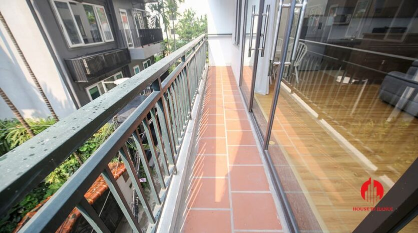 large cheap 2 bedroom apartment on to ngoc van 2