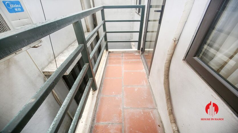 large cheap 2 bedroom apartment on to ngoc van 8