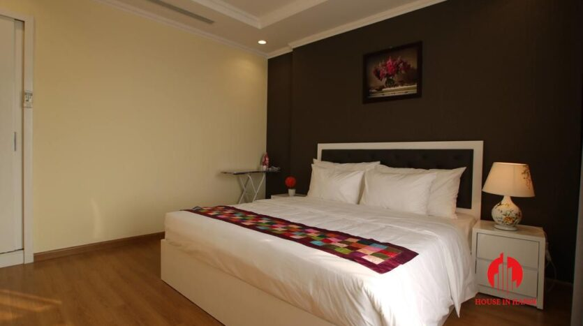 modish 2 bedroom apartment in vinhomes nguyen chi thanh 4