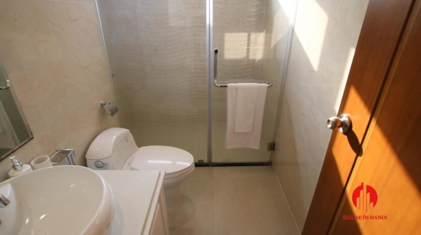 modish 2 bedroom apartment in vinhomes nguyen chi thanh 8