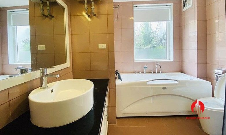 pool villa with lake view for rent in tay ho 16