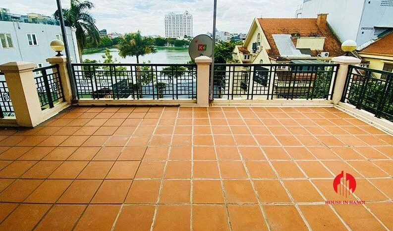 pool villa with lake view for rent in tay ho 25