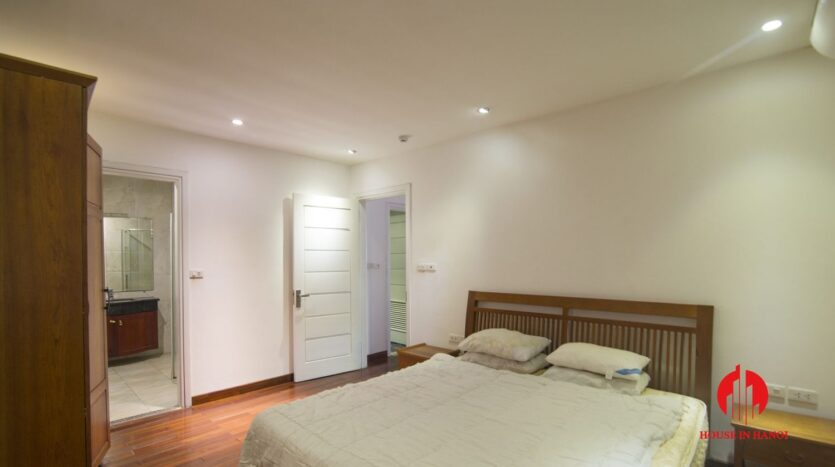 reasonable 3 bedroom apartment for rent on xuan dieu 11