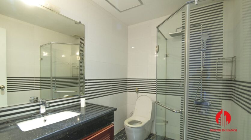 reasonable 3 bedroom apartment for rent on xuan dieu 12