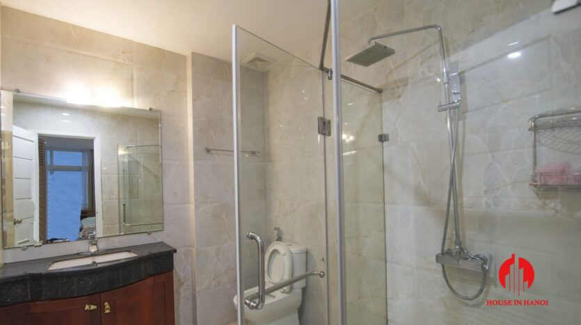 reasonable 3 bedroom apartment for rent on xuan dieu 13