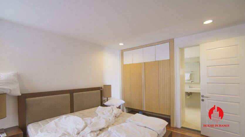serene apartment for rent in tay ho 6