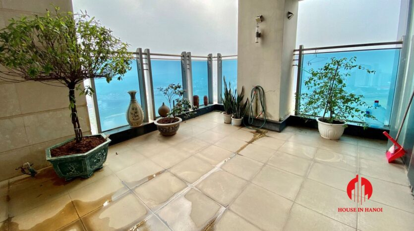 sky villa penthouse for rent in tay ho 18