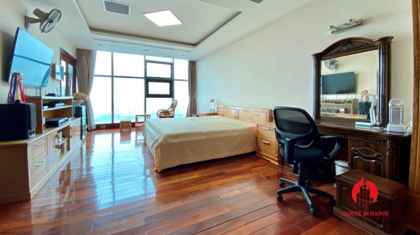 sky villa penthouse for rent in tay ho 21