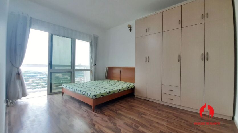 cheap 3 bedroom apartment in e1 ciputra 11