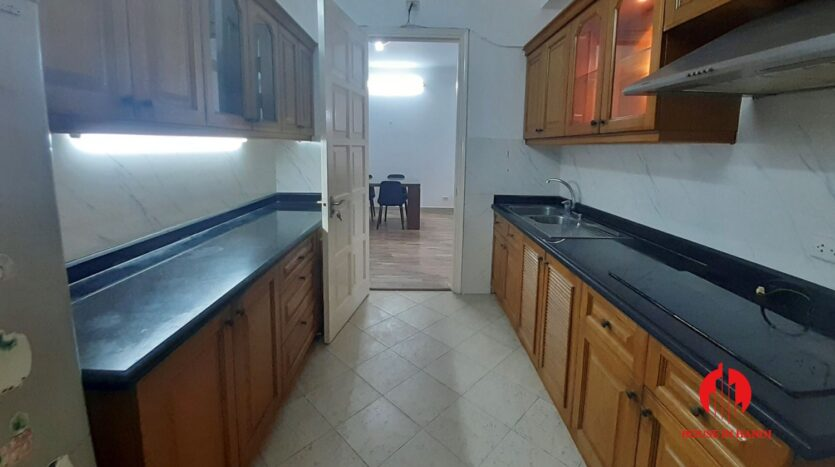 cheap 3 bedroom apartment in e1 ciputra 13