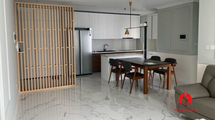 cheap and large 3 bedroom apartment in sunshine city 10