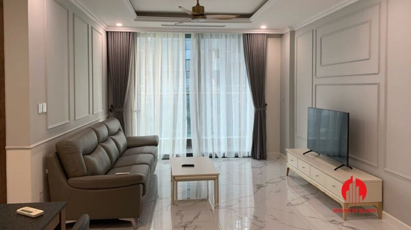 cheap and large 3 bedroom apartment in sunshine city 3