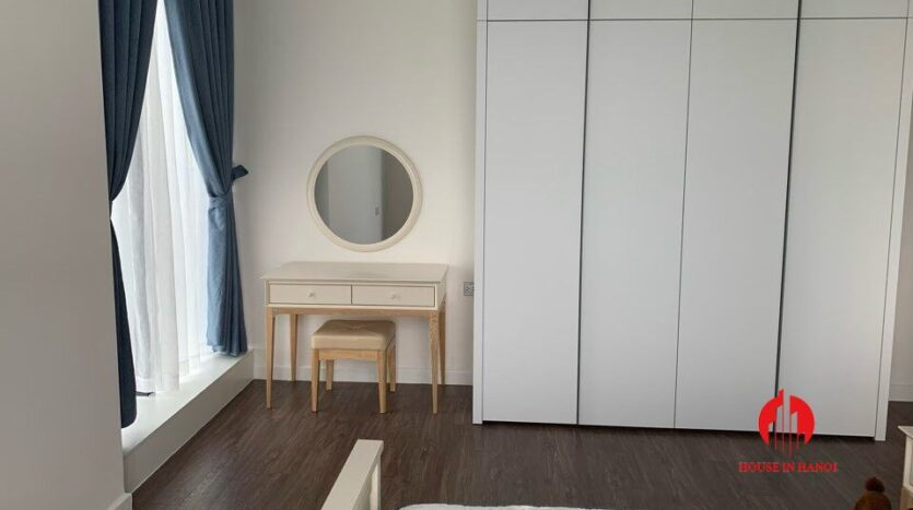 cheap and large 3 bedroom apartment in sunshine city 6