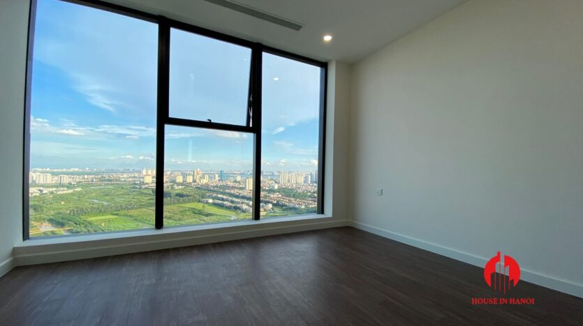 golf view penthouse for rent in Sunshine City 2