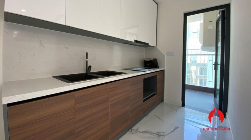 golf view penthouse for rent in Sunshine City 3