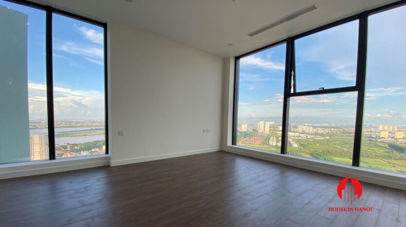 golf view penthouse for rent in Sunshine City 5