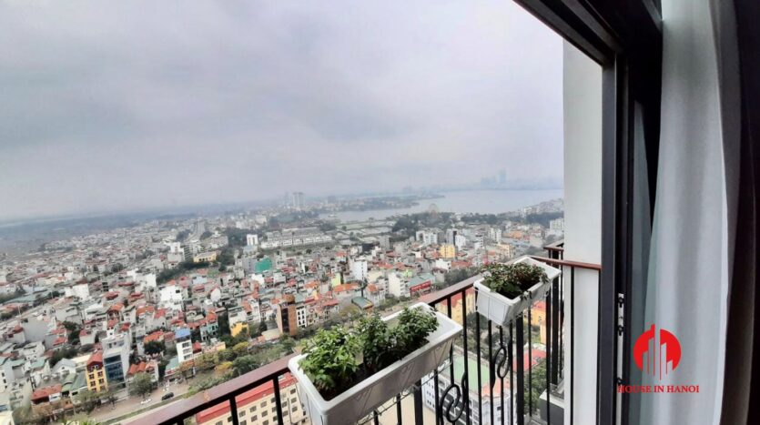 lovely apartment for rent on lac long quan street 6