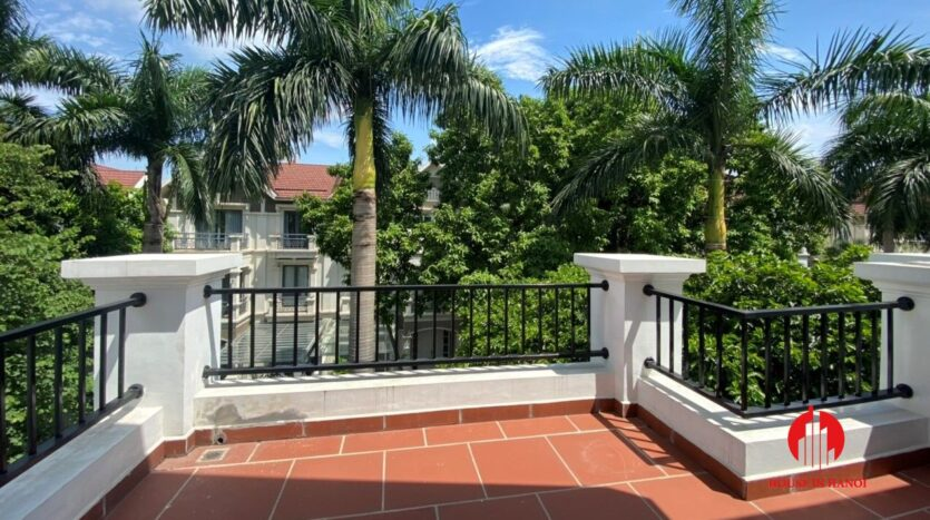 well renovated villa for rent in ciputra t block 11