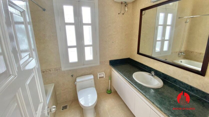 well renovated villa for rent in ciputra t block 5